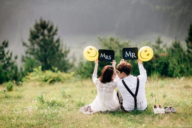 30 Creative Props For Your Wedding Photoshoot Wedding Photography Videography In Singapore